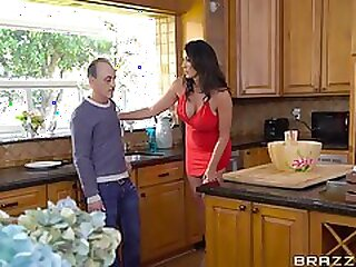 Steamy mom with huge melons gets her tight hole drilled