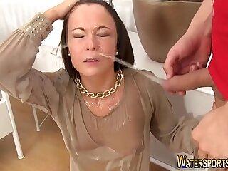 Kinky whore gets huge facial